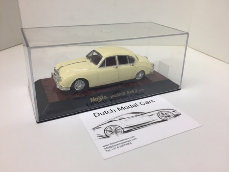 1:43 Jaguar Mark II 1959 beige