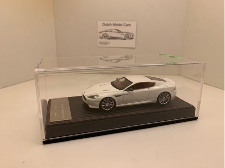 1:43 Aston Martin DB9 wit