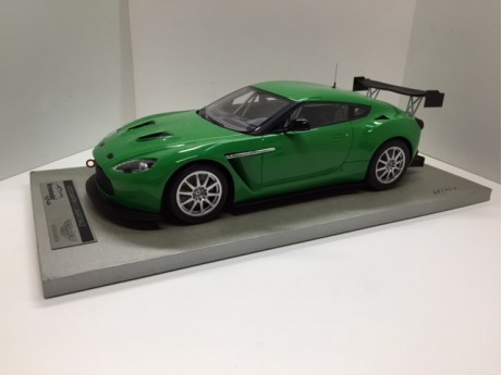 Aston-Martin V12 Zagato 2012 gloss green 1/18