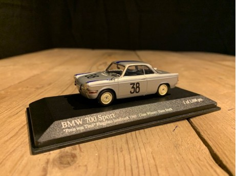 1:43 BMW 700 coupe Innsbruck Airfield Race 1960 #38 zilver
