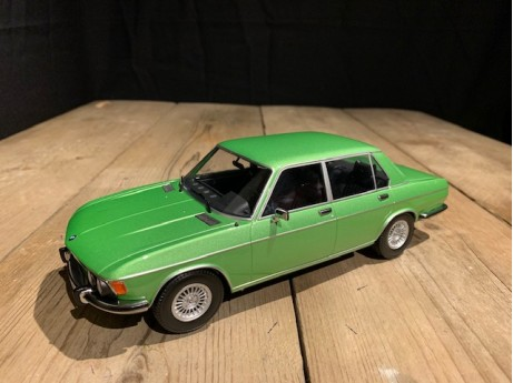 1:18 BMW 3.0S E3 2de serie 1971 light green metalic (KK Scale)