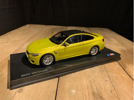 1:18 BMW M4 coupe Austin Yellow