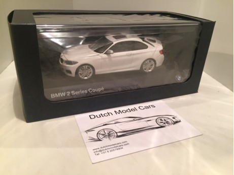 BMW 2-serie coupe F22 wit 1/43