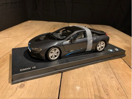 1:18 BMW i8 Sophisto grey (Paragon)