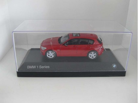 BMW 1-serie F20 rood 1/43