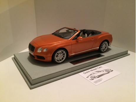 Bentley Continental GT V8 S Convertible Sunrise oranje 1/18