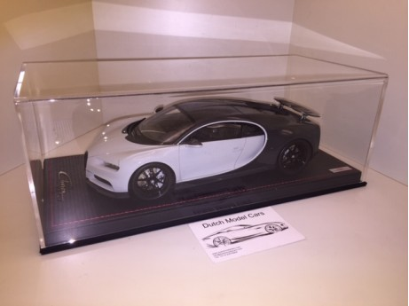 1:18 Bugatti Chiron Sport whit open wing grey carbon / gris rafale