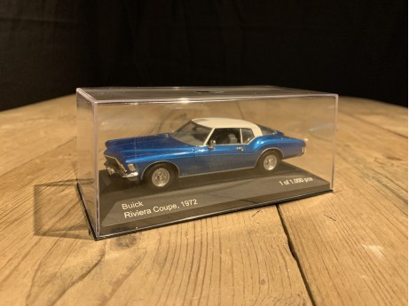 1:43 Buick Riviera coupe 1972 blauw (Whitebox)