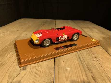 1:18 Ferrari 290MM Winner Mille Miglia 1956 Car No 548 rood (BBR)