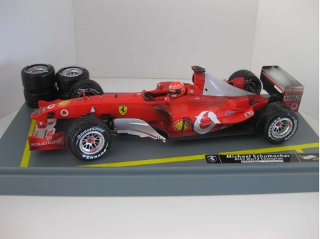 Ferrari F1 2003 World Champion M.Schumacher rood #1 1/18