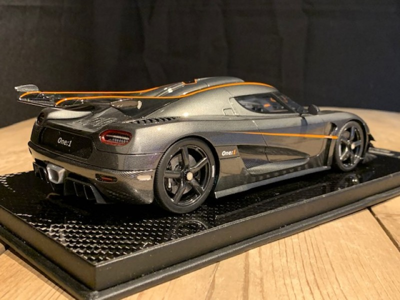 1:18 Koenigsegg ONE:1 Carbon Gold (FrontiArt)
