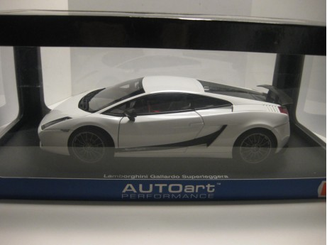 Lamborghini Gallardo Superleggera wit 1/18