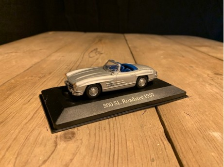 1:43 Mercedes-Benz 300 SL Roadster (W198) zilver (MB)