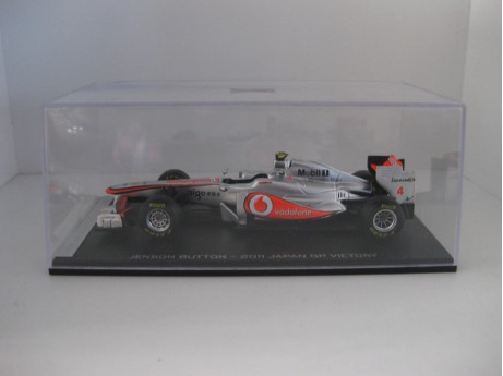 1:43 McLaren Mercedes Button zilver 2011 #4