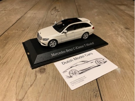 1:43 Mercedes-Benz S205 C-Klasse T model diamantwhite metalic