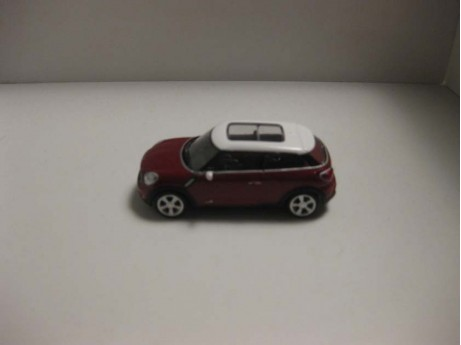 Mini Paceman rood 1/64