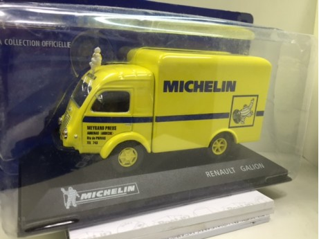 Renault Galion Michelin geel 1/43