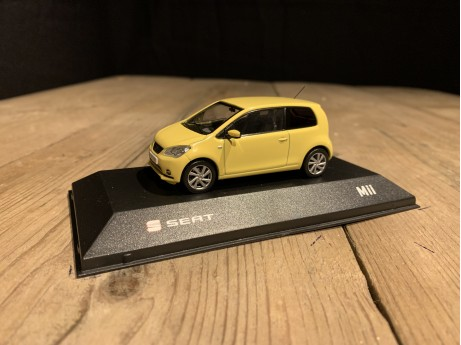 1:43 Seat Mii yellow sunflower (Seat)
