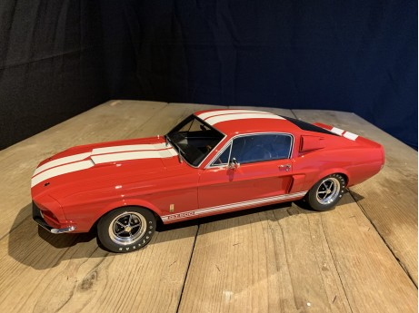 1:12 Shelby Mustang GT500 Fastback rood (Ottomobile)